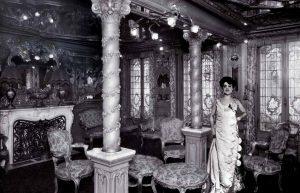 Slavný pařížský nevěstinec funguje až do roku 1946.