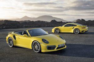 Svůdný model dokonale spojuje výkon závodního vozu s pohodlím luxusního cestovního kupé.