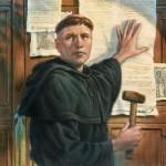 Svůj nejdůležitější spis 95 tezí Luther údajně přibil na dveře kostela ve Wittenbergu