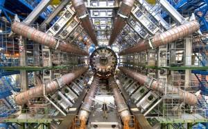 Vědcům v CERNu se již podařilo částice antihmoty zachytit