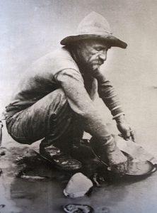 V prvních letech zde zlatokopové vytěží až 370 tun zlata.