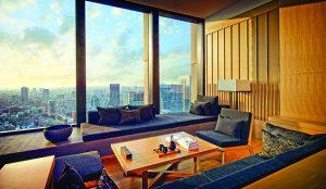 Ze signaturního apartmá Aman v Tokiu se vám nabídne výhled na zahrady císařského paláce, Tower Skytree a horu Fuji.