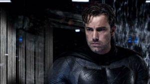 Zato Batman je člověk posedlý sžíravou touhou po pomstě. Je temnější, drsnější.