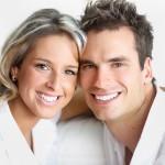 Pomáhají bělicí zubní pasty